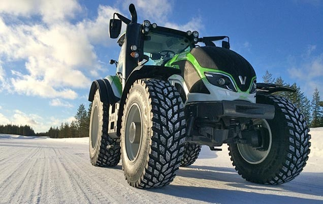 Nokian and Valtra Sets A New World Record